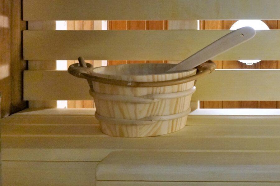Akcesoria do sauny – Czego tak naprawdę potrzebujemy?